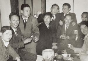 川上哲治生誕100年|川上哲治氏|恩師・同級生との絆。左から2番目が土肥先生。3番目が川上氏。
